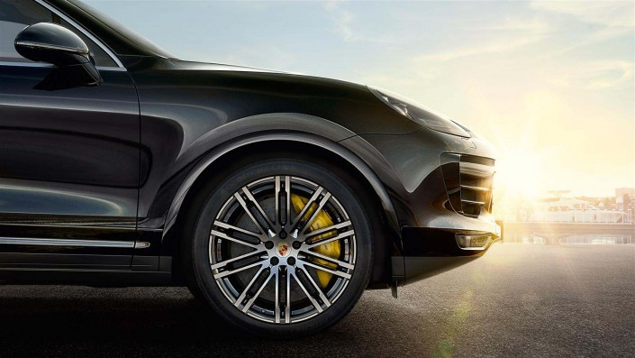 Galerie d'image GT'Luxury - Location Porsche cayenne turbo S