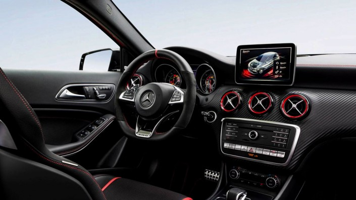 Galerie d'image GT'Luxury - Location Mercedes A45 AMG
