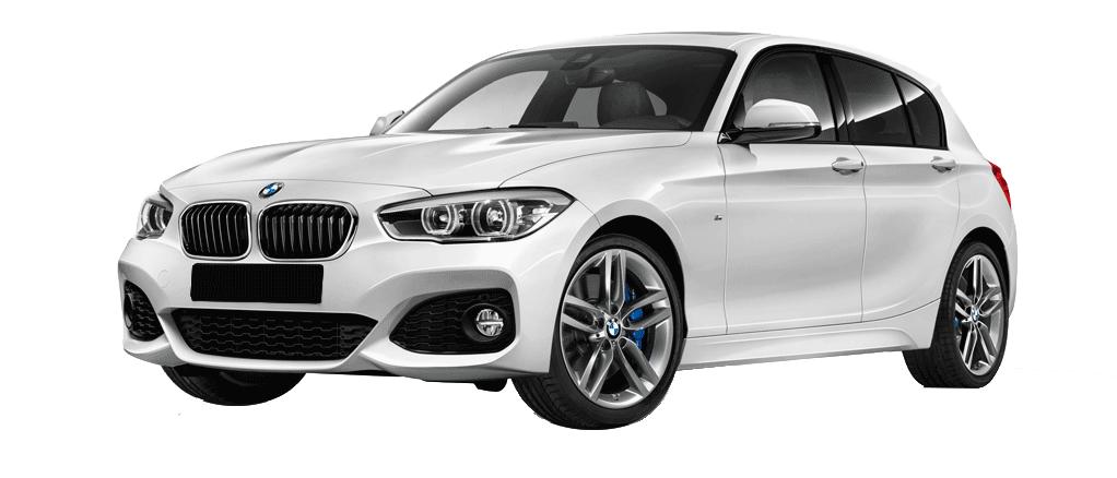 BMW Série 1 pack M 135 i blanche de profil disponible à la location chez GT'Luxury